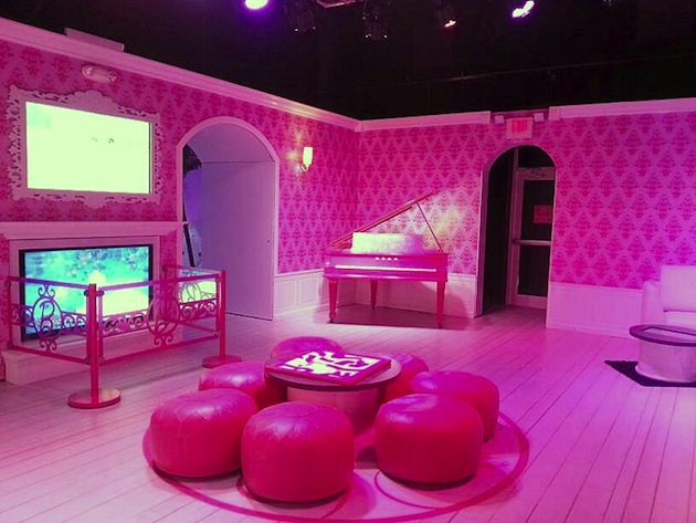 Life-Sized-Barbie-Dreamhouse-Tour-Experience-Florida-Berlin-2.jpeg