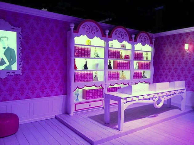 Life-Sized-Barbie-Dreamhouse-Tour-Experience-Florida-Berlin-7.jpeg