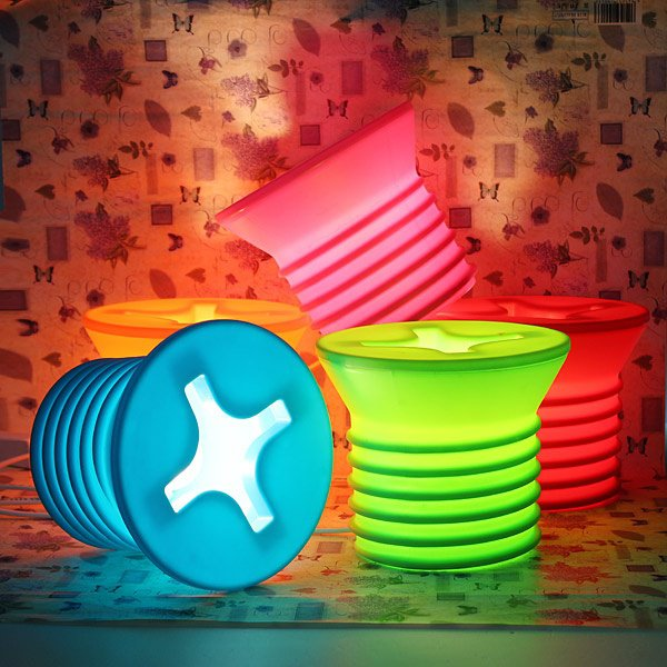 amazing-unique-table-lamp-designs-with-colorful-circle-lamp-cover.jpg