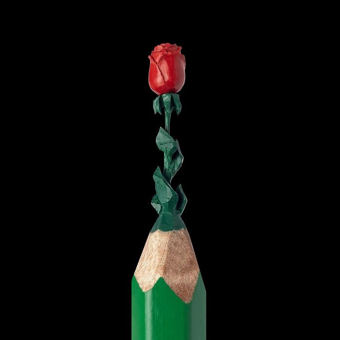 artist-makes-tiny-and-incredible-sculptures-on-the-tip-of-pencils-5ec776edee622_700.jpg