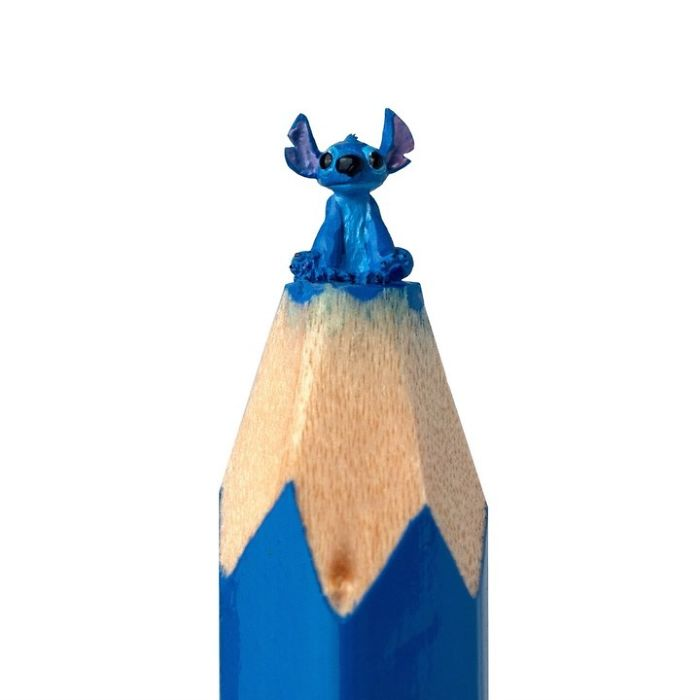 artist-makes-tiny-and-incredible-sculptures-on-the-tip-of-pencils-5ec7770d33c34_700.jpg