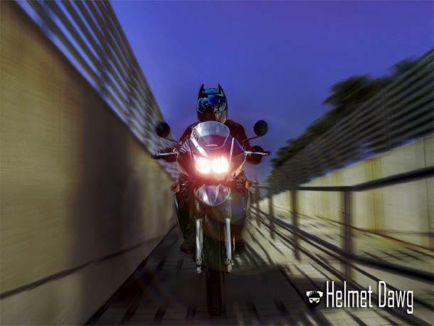 batman-motorcycle-helmet-1.jpg