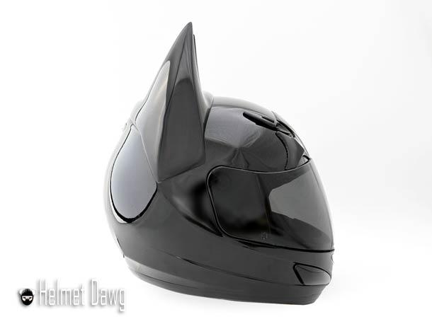 batman-motorcycle-helmet-3.jpg
