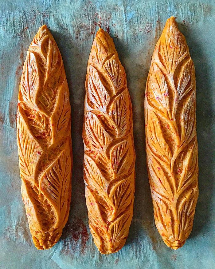 carved-blondie-and-rye-bread-5e6b50ee98872_700.jpg