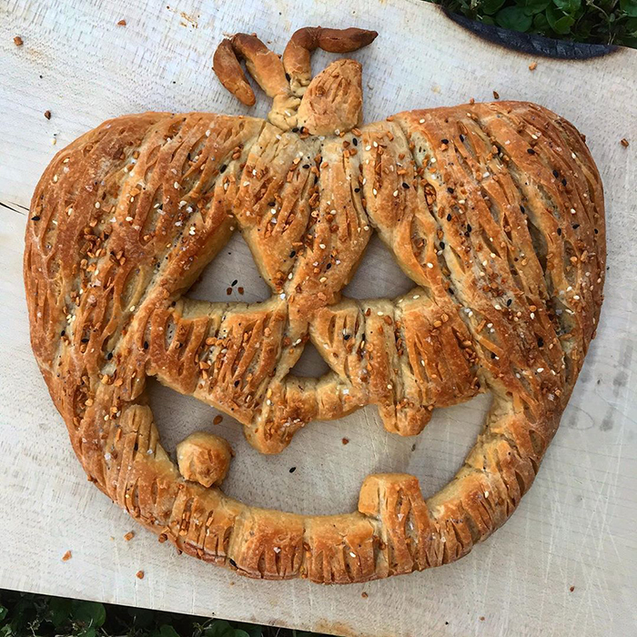 carved-blondie-and-rye-bread-5e6b527c7ff5f_700.jpg