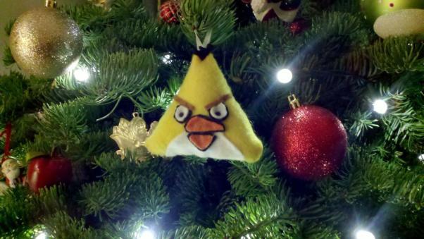 christmas-ornaments-angry-birds-yellow.jpg