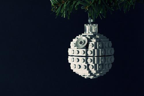christmas-ornaments-death-star-lego-ball.jpg