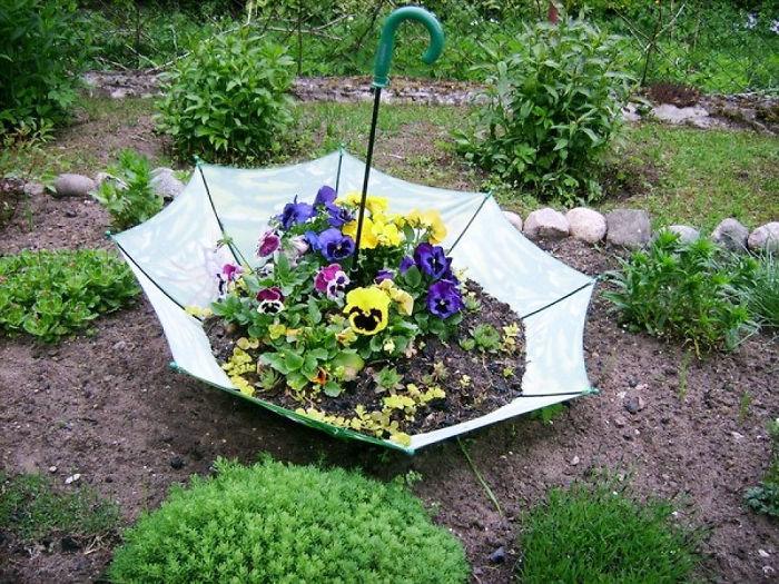 diy-garden-decorations-garden-decorating-ideas-on-a-budget-easy-diy-projects-decor-5a82bf67a54c9_700.jpg