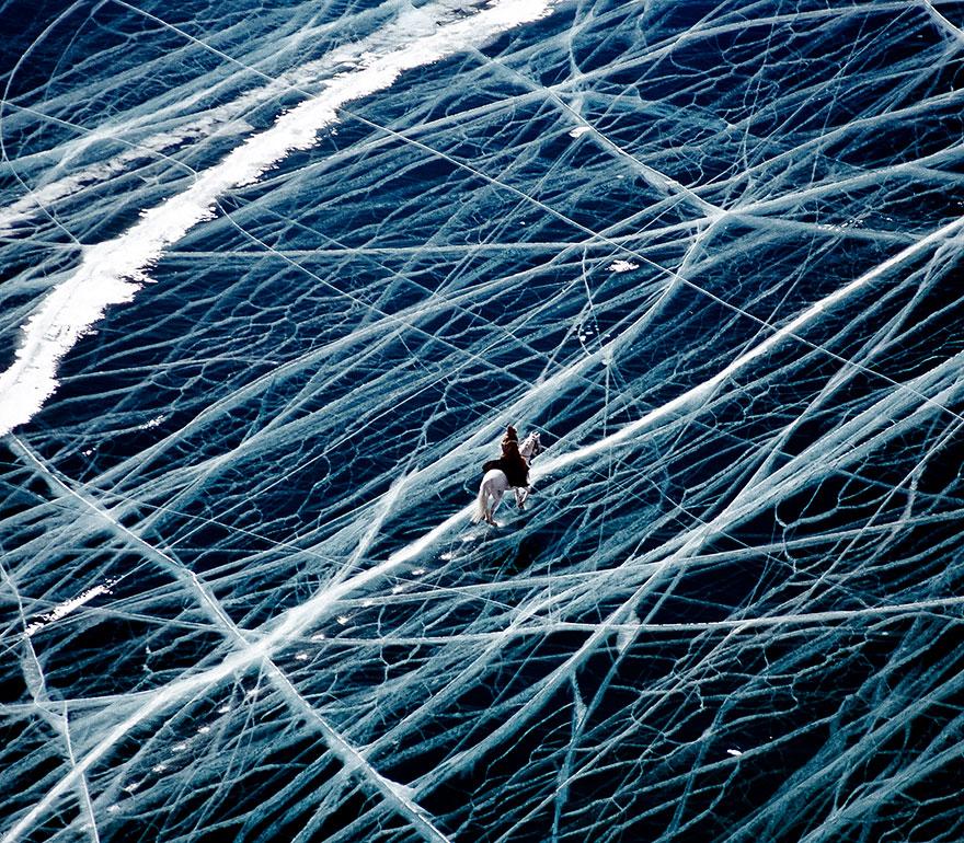 frozen-lake-pond-ice-11_880.jpg