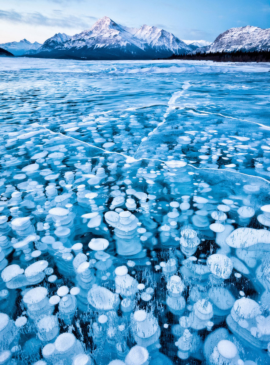 frozen-lake-pond-ice-5_880.jpg
