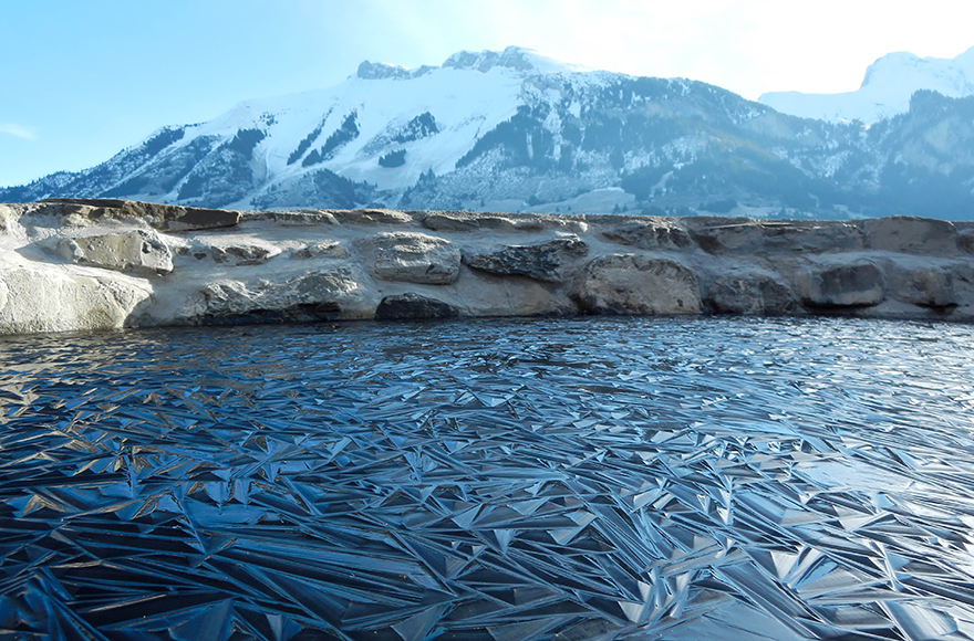 frozen-lake-pond-ice-6_880.jpg