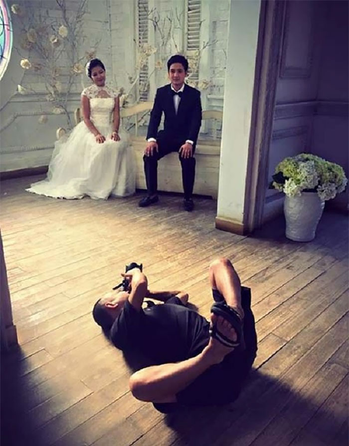 funny-crazy-wedding-photographers-behind-the-scenes-42-5774e30fc3861_700.jpg