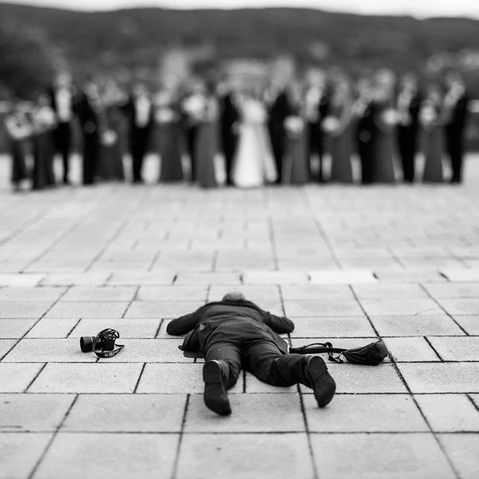 funny-crazy-wedding-photographers-behind-the-scenes-42-57751a29719d5_700.jpg