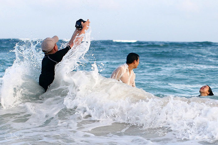 funny-crazy-wedding-photographers-behind-the-scenes-45-5774e319bbb66_700.jpg