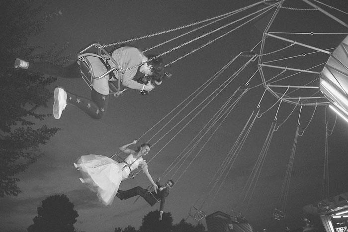 funny-crazy-wedding-photographers-behind-the-scenes-56-5774e33c14b0e_700.jpg