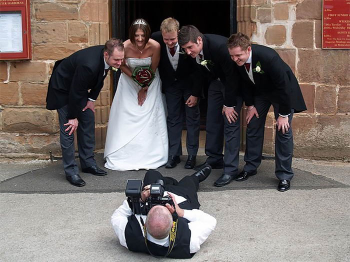 funny-crazy-wedding-photographers-behind-the-scenes-58-5774fdc6e8d0f_700.jpg