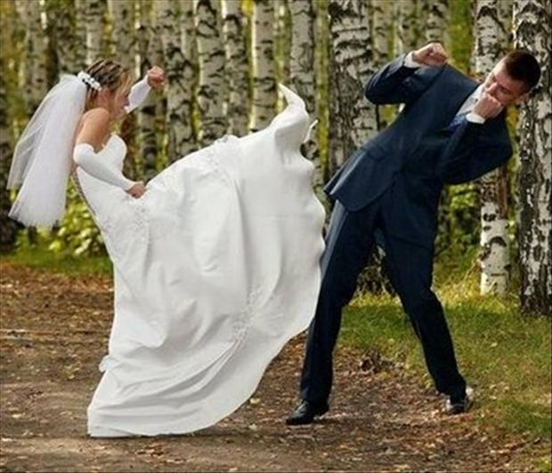 funny-wedding-pictures-bride-fights-groom.jpg