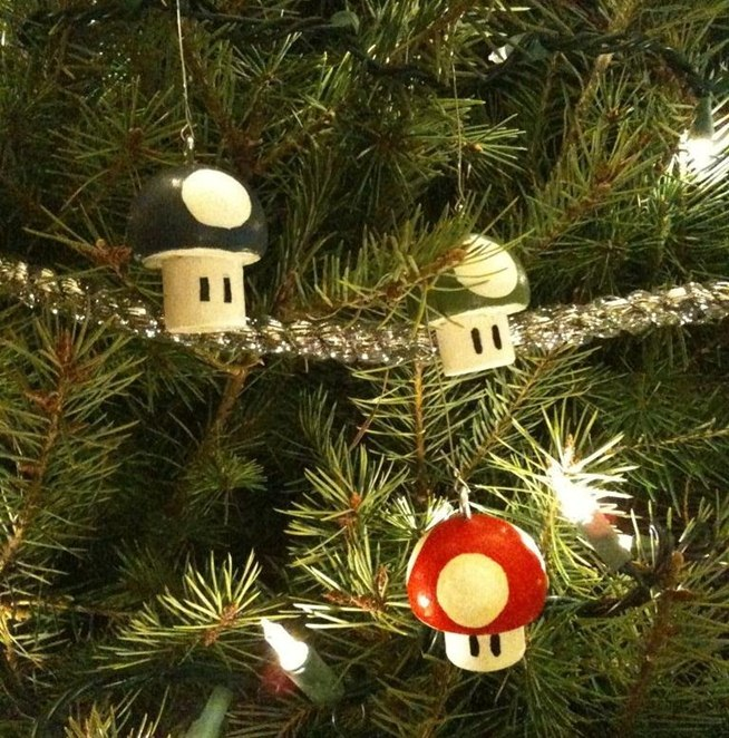geek-up-your-holidays-with-these-10-nerdy-diy-christmas-tree-ornaments.w654.jpg