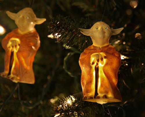 geek_christmas_decorations_02.jpg
