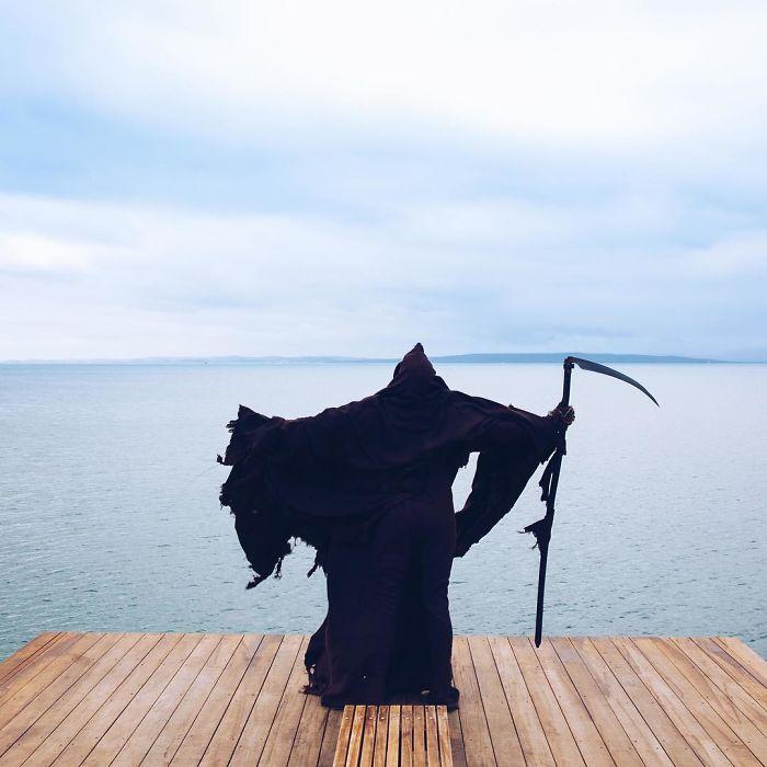 grim-reaper-beach-instagram-photos-swimreaper-25-59f6e99d547b4_700.jpg