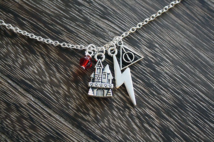 harry-potter-jewelry-accessories-gift-ideas-402_700.jpg