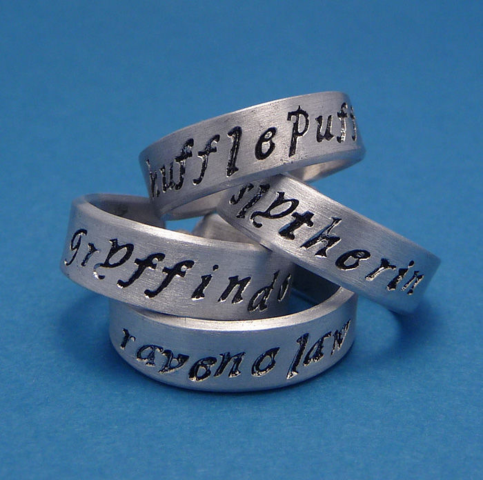 harry-potter-jewelry-accessories-gift-ideas-59_700.jpg