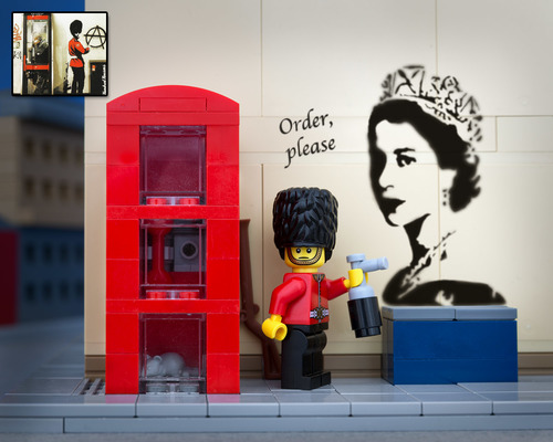 lego_bricksy_banksy_grafitti_royal_guard.jpg