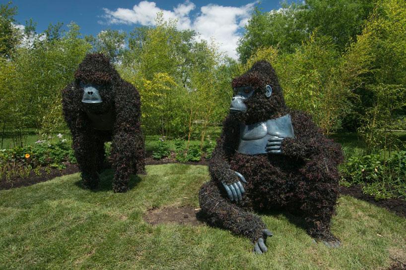 massive-hordicultural-sculptures-in-montreal-designboom-13.jpg