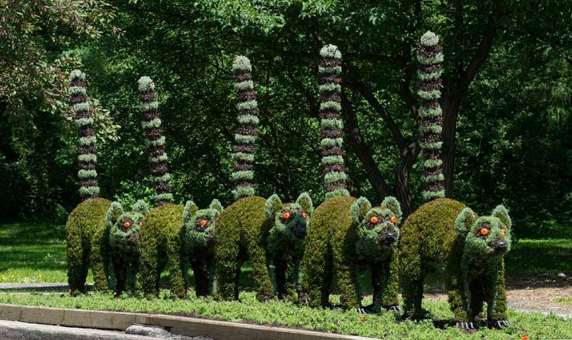 massive-hordicultural-sculptures-in-montreal-designboom-15.jpg