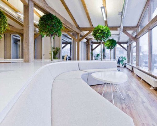 openads-office-greenhouse-freshens-up-the-workplace-2.jpg