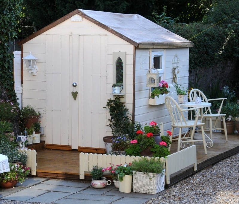 pretty-garden-shed-min-e1437631587157.jpg