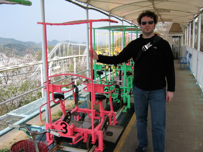 sky-cycle-pedal-powered-rolloer-coaster-japan-1.jpg