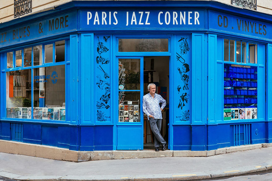 the-story-behind-these-iconic-parisian-storefronts-5809c93dc699f_880.jpg