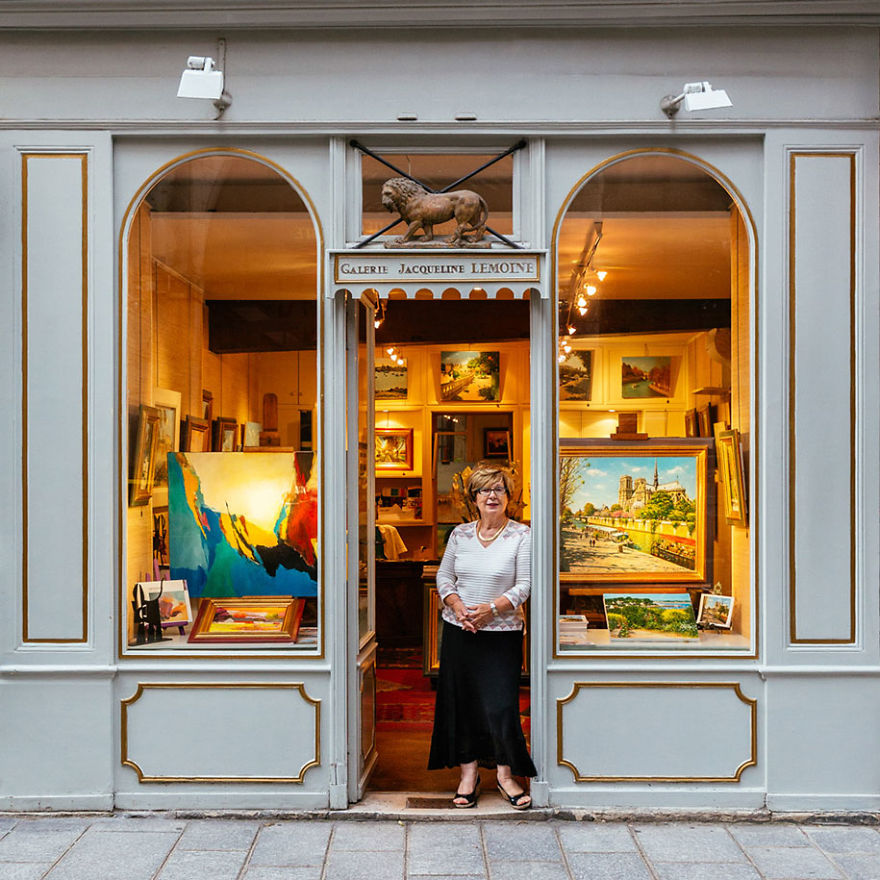 the-story-behind-these-iconic-parisian-storefronts-5809c95405e54_880.jpg