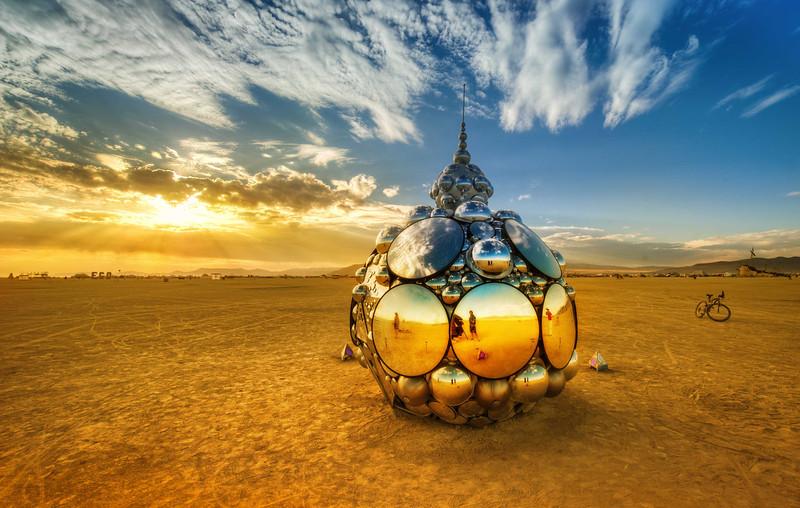 trey-ratcliff-domes-in-playa-burning-man-L.jpg