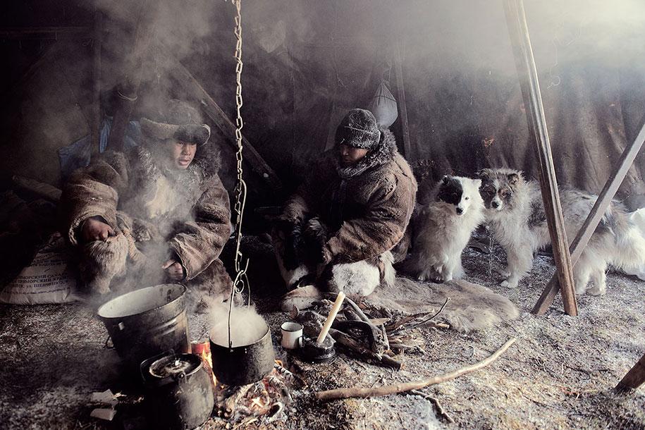 vanishing-tribes-before-they-pass-away-jimmy-nelson-13.jpg