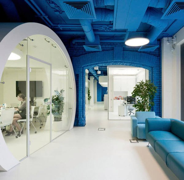vibrantly-colored-media-agency-office-design-in-moscow.jpg