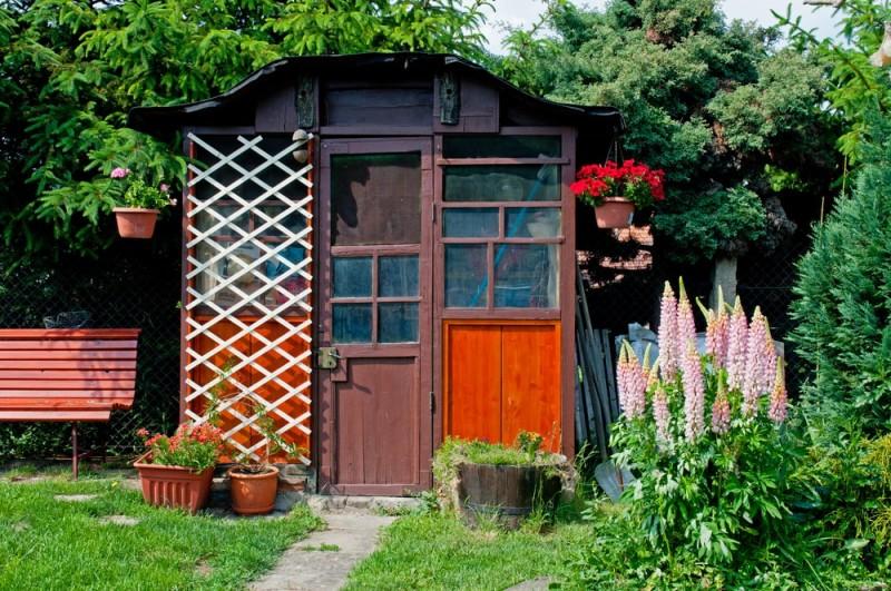 wooden-gazebo-used-for-resting-in-the-shade-min-e1437631897185.jpg