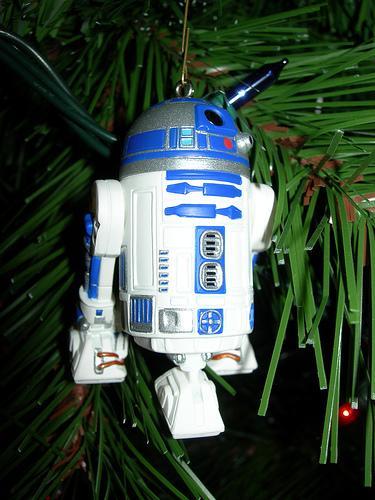 xmas-ornaments-star-wars-r2d2.jpg