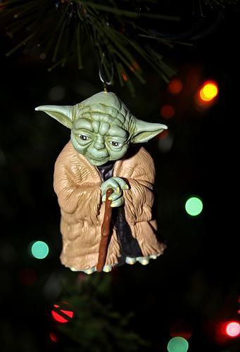 xmas-ornaments-star-wars-yoda.jpg