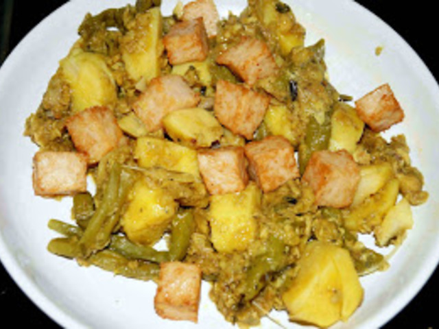 Sült hal zöldségekkel (Fried Fish with Vegetables)