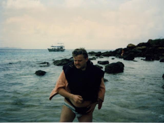 Irány a Ko Larn szigetek