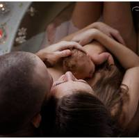 A korai bőrkontaktus támogatása 10 lépésben  - gyakorlati útmutató családoknak, szakembereknek