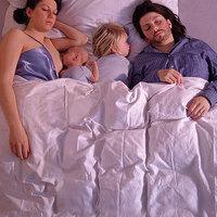 Jobb a babának, ha külön alszik?