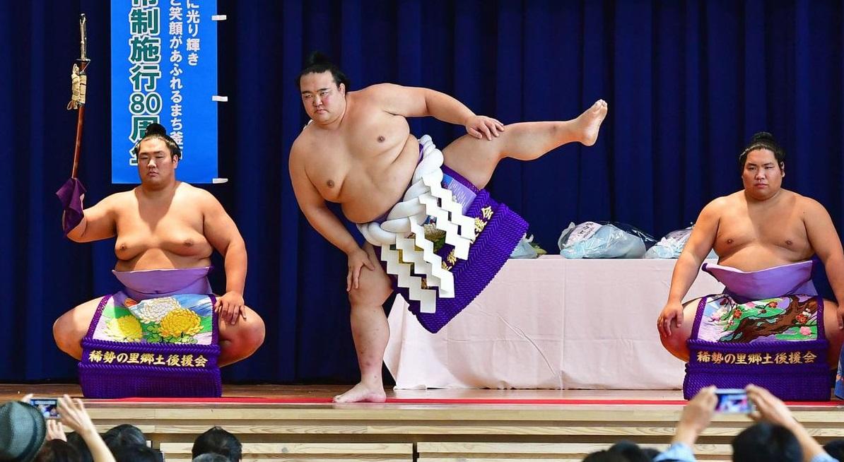 20170815-kisenosato-dohyo-iri.jpg