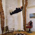 Philippe Ramette (Fr) Crisis of casualness / A lezserség krízise 2003