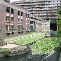 Régi rómaiak és mai angolok: Barbican Estate, London