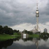 A modern kertépítészet mesterműve: München, Olympiapark.