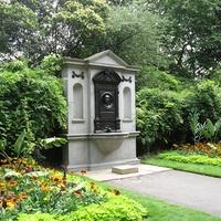 Park a Temze partján: Victoria Embankment Gardens, London