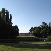 Anglia a Mezőföldön: Dég, Festetics-kastély parkja